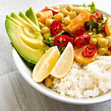 TOP 5 roślinnych przepisów Dietetyki #NieNaŻarty